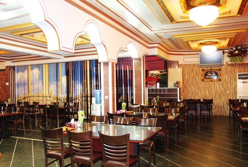 رستوران محرم ؛ طبخ انواع غذا های ایرانی و محلی و انواع کباب
